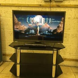 "Hitachi 32"" LED Tv Good condition warranty Free Delivery"