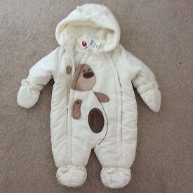Babies unisex snowsuit brand new £10