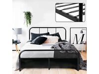 Double Bed Frame 4ft 6 Solid Bed Frame with 2 Headboard Metal Bed