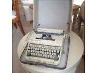 Typewriter Vintage Olympia SN5 portable in case - working