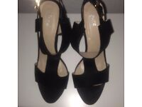 Size 5 Black T-Bar Block Heel shoes