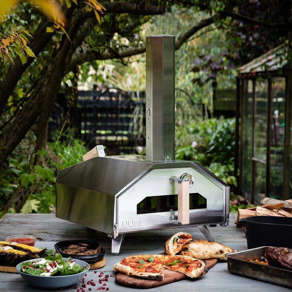 Ooni Pro Portable Wood Pizza Oven + Cover & Infrared Thermom
