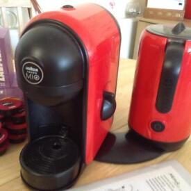 LAVAZZA Amodo Mio Coffee Maker with 62 pods and full instructions