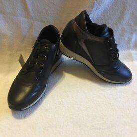 Claudia ghizzani heeled trainer, £20 ono