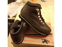 Men's boots-brown-(NEW)size 9-£20