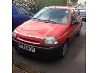 99/v Renault Clio 1.2 with full service history and new cam belt
