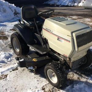 Tracteur à jardin GT 225   48 po de coupe