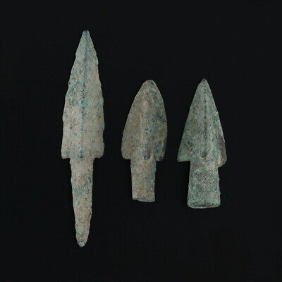 Ancient Arrowheads Barbed Trilobate Triblade Pyramid Weaponry Patinaed Lot of 3
