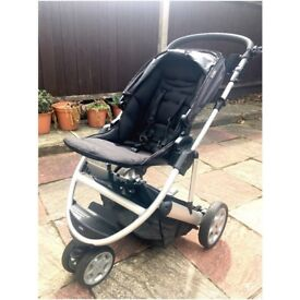 Mamas & Papas Zoom travel system - great condition; including stroller, carry cot and car seat.