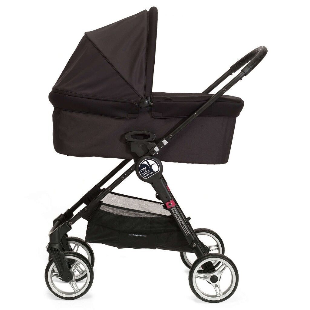 Baby Jogger City Mini Deluxe Carrycot Bassinet In Black Good Condition In Lakeside Cardiff Gumtree