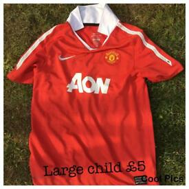 Manchester United shirt child's large