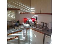 Great sunny Flat with, separate kitchen & shower room, parking. No deposit required.