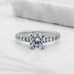 ENGAGEMENT DIAMOND RING WITH A 1.25 CARAT CENTER / BAGUE DE MARIAGE EN DIAMANT AVEC CENTRE DE 1.25 CARAT