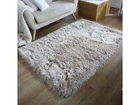 DUNELM Natural Shaggy Rug in good conditions. Size 120 x 170 cm