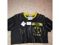 Moschino Milano tee shirt RRP £125 worn couple times excellent condition