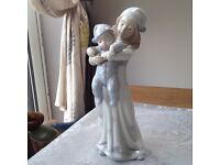 Rare Lladro 'Going to bed' porcelain figurine