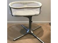 Like New - MINT condition - Halo Bassinest Swivel Sleeper in Damask