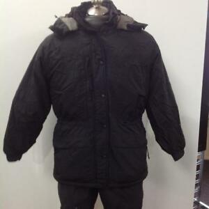 Mountain Hardwear Winter Coat (SKU: Y4PLWS) - Previously Owned