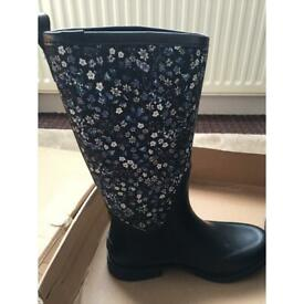 403540a2030 Ugg women's reignfall liberty wellington boots / wellies | in ...