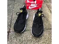 Nike air huaraches trainers size 6