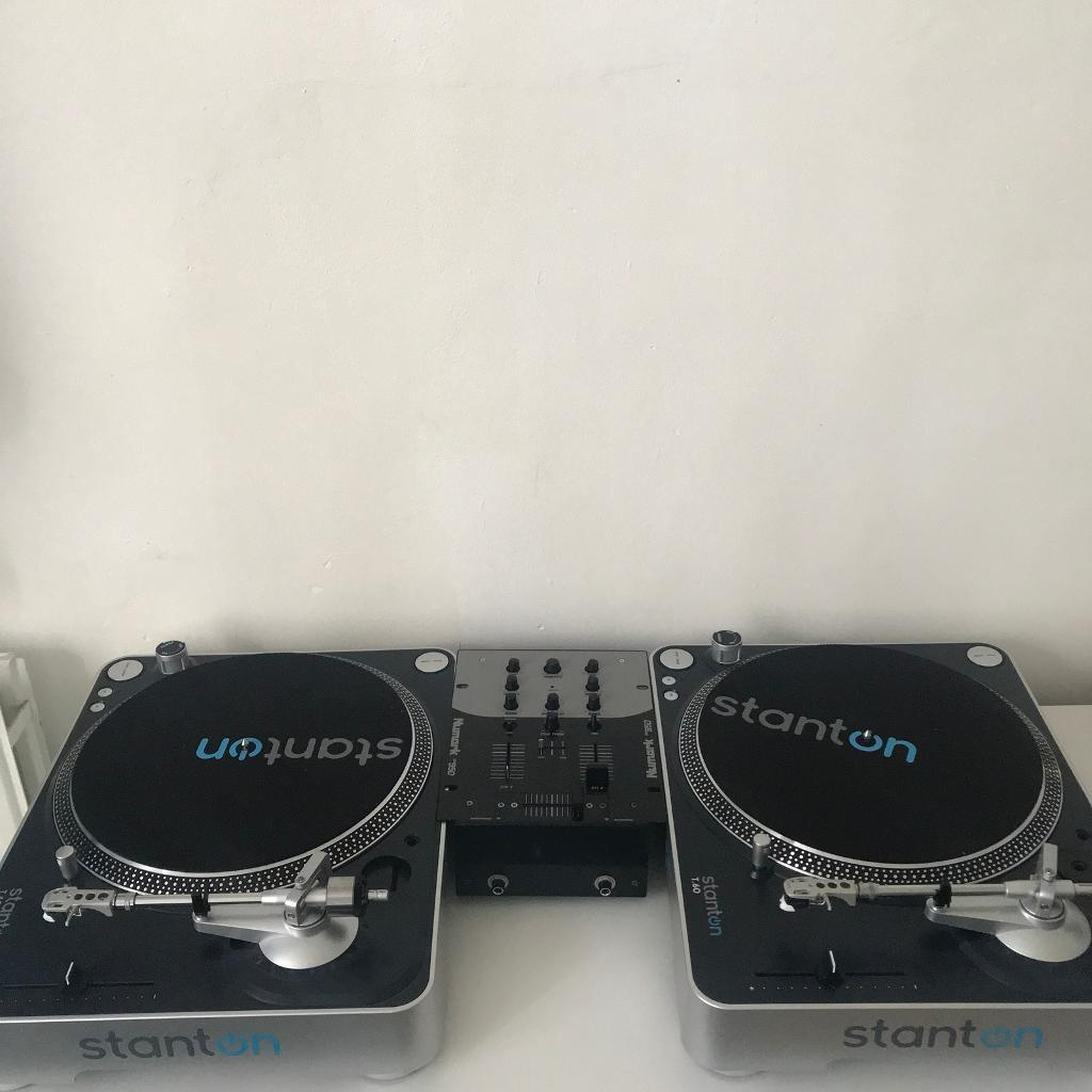 2x Stanton T60 Turntables w/ Mixer & Cases