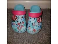 Tu crocs infant size 6-7