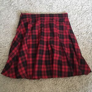 H&m black and red plaid skirt size 2