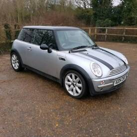 BMW Mini Cooper silver with black cooper strips just been serviced and mot'd only 86184 miles