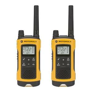 NEW Motorola Talkabout T400 Rechargeable Two-Way Radio Pair (Yellow)