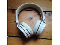 White WESC Headphones - Missing AUX