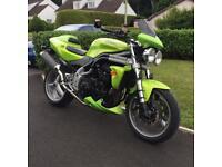 Triumph 955i speed triple (honda Suzuki Kawasaki 600 1000