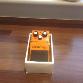 BOSS DS1 DISTORTION PEDAL,EXCELLENT CONDITION,IN BOX WITH INSTRUCTIONS