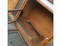 Rabbit hutch, excellent condition