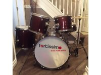 Fortissimo full size drum kit in cherry red