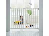 BRAND NEW IN BOX - LINDAM EXTENDING WALL SAFETY GATE