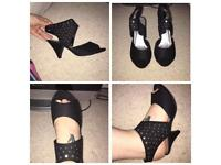 Size 5 New Look small heels.
