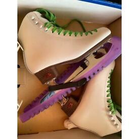 Girls Riedell Skates (UK 4/12)