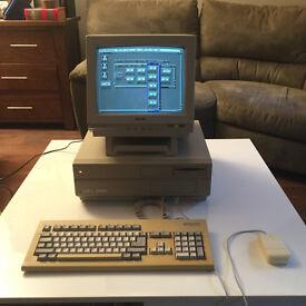 Commodore Amiga 2000 Vintage Computer
