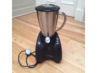 AS NEW Kenwood 800W 2L Smoothie Maker & BRAND NEW Innocent Smoothies Recipe Book