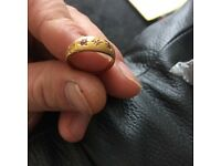 18k gold ring Very nice
