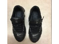 NIKE SHOX BLACK SIZE 7.5 EXCELLENT CONDITION SOLD!!!