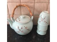 Teapot + cups + plates Japanese inspired
