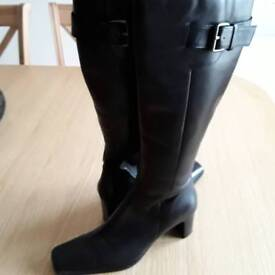 Ladies slim fitting black leather knee high boots size 5