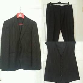 Lambertta 3 piece gents suit