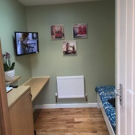 DOUBLE ROOM/BEDSIT FOR RENT,, RAYNES PARK