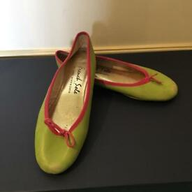 French Sole Shoes Size 5