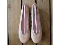 Pretty Ballerinas Shirley in salmon pink brand new