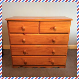 Pine chest of drawers with wooden handles (five drawers)