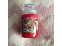 Yankee candle large jar in candy cane lane brand new