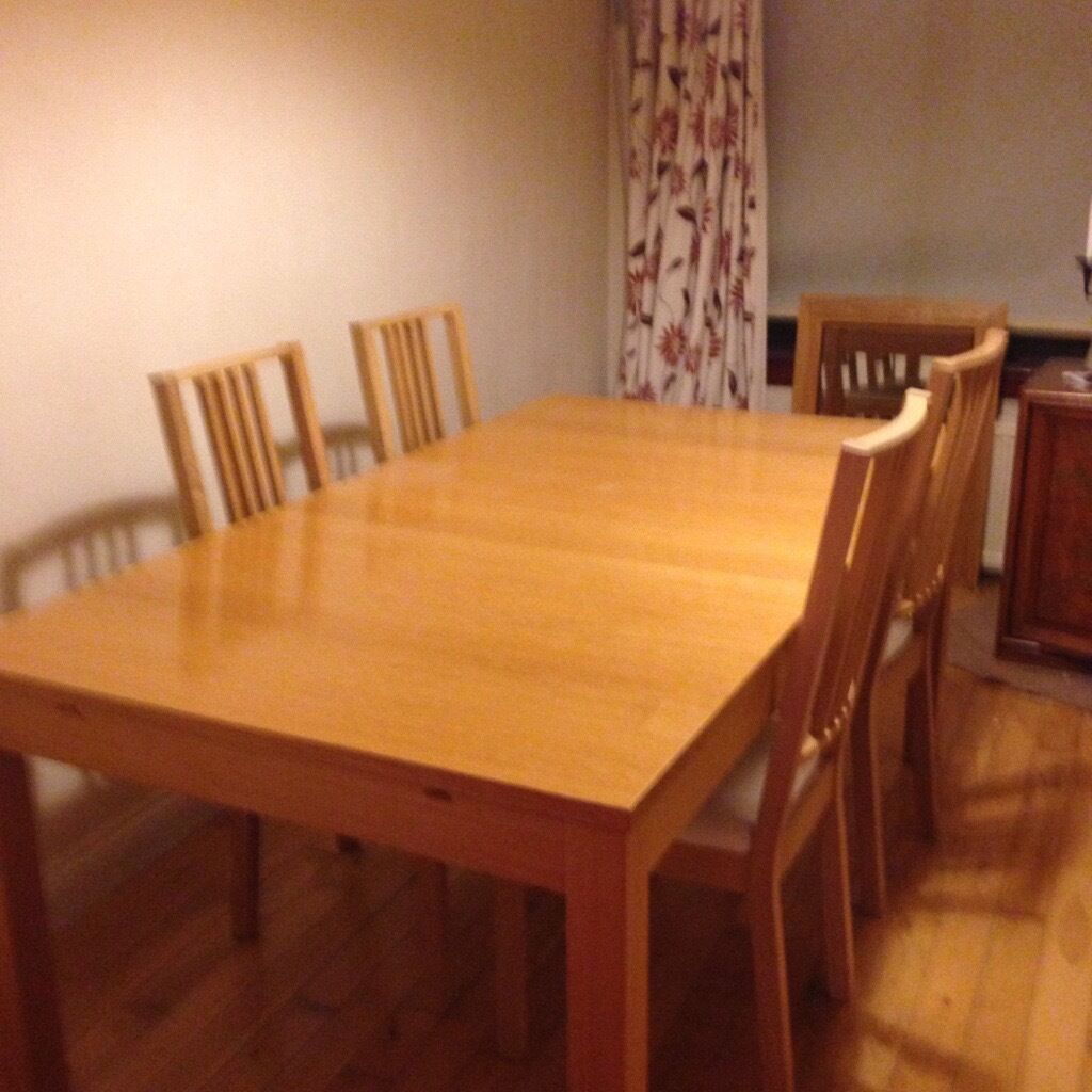 IKEA BJURSTA DINING TABLE Oak veneer dining table and 4 chairs